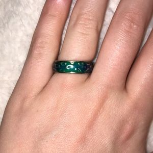 5/$15 Mood ring size 6
